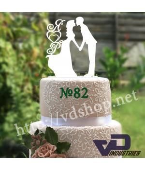 """Топпер №82 """"Жених и невеста с сердцами и инициалами"""""""